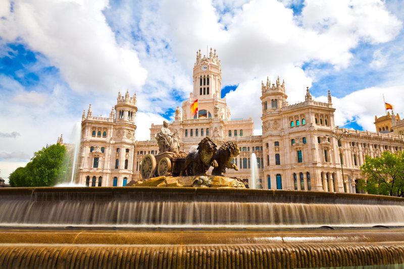Egész évben lesz Iberia Budapest-Madrid járat!